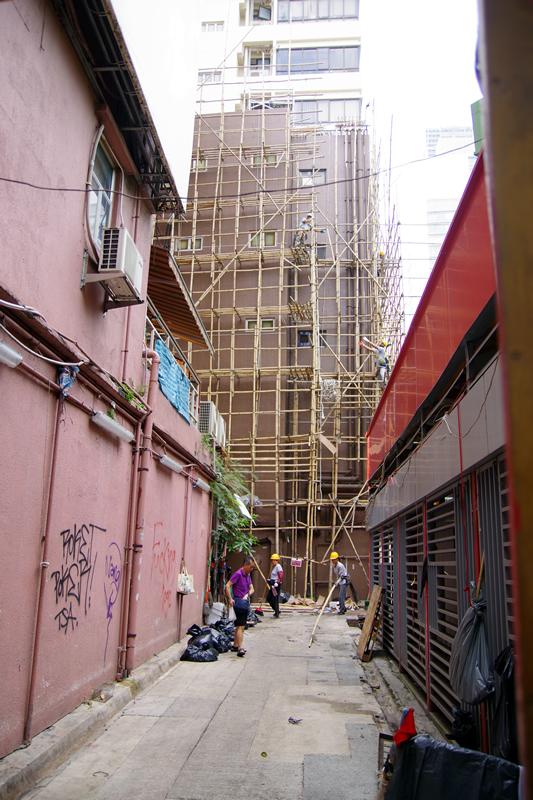 竹で組まれた足場