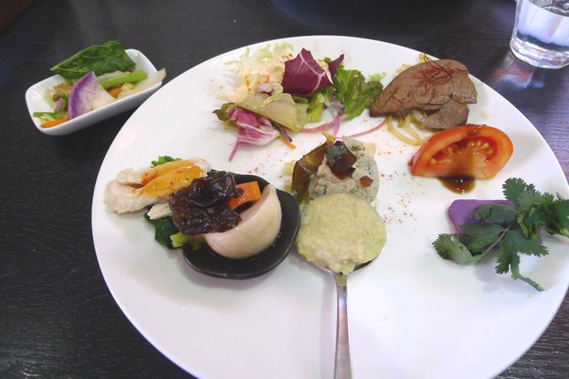 本格新中国料理ムーラン ランチの前菜