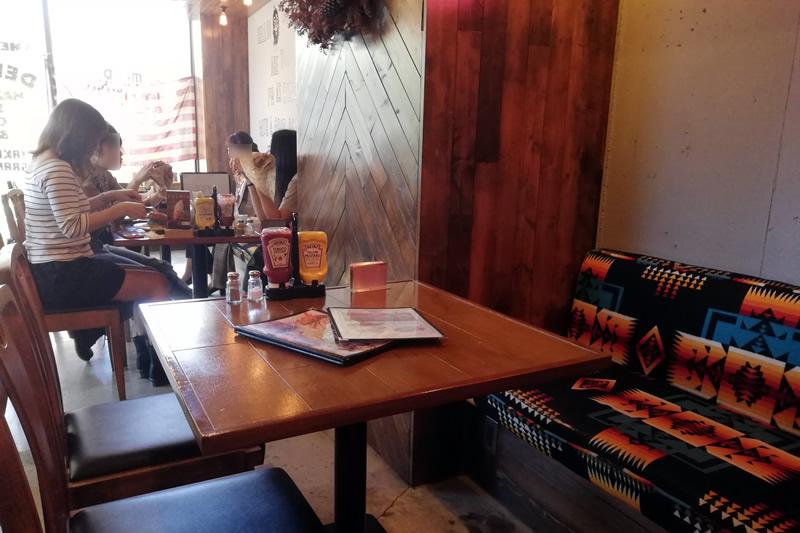 ハイミール(HighMeal) テーブル席