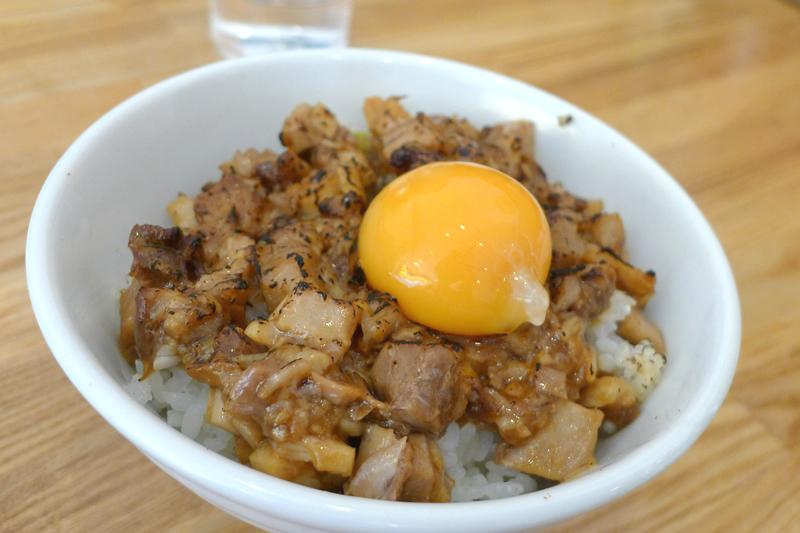 ラーメン三太 スタミナチャーシュー丼