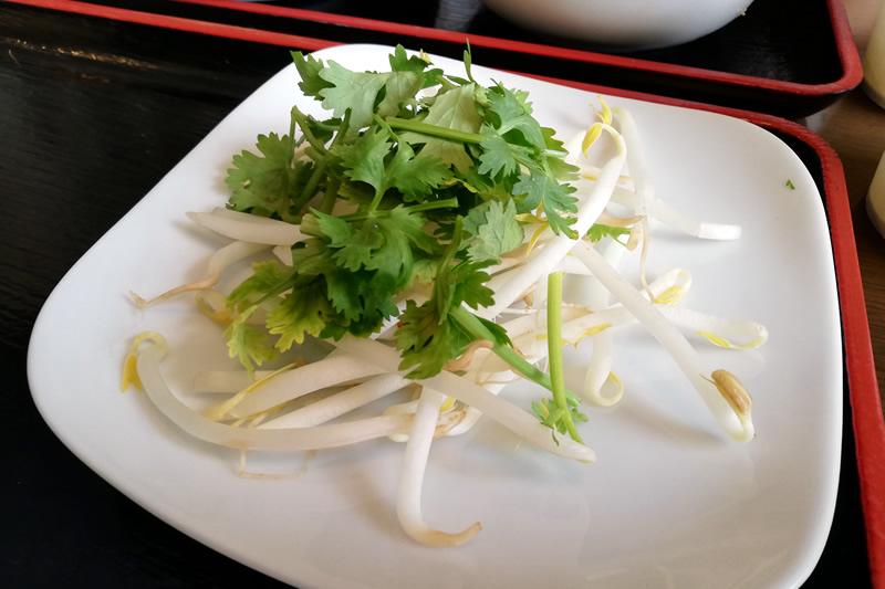 ベトナム料理ニエウクアン 鶏のフォー